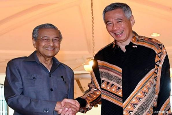 Tun Mahathir in Singapore for two-day official visit