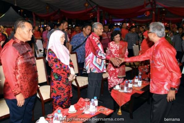 Mahathir : Tolerance is key to development, peace in Malaysia