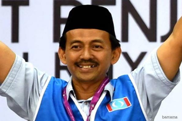 Mohd Zawawi sworn in as Sg Kandis assemblyman