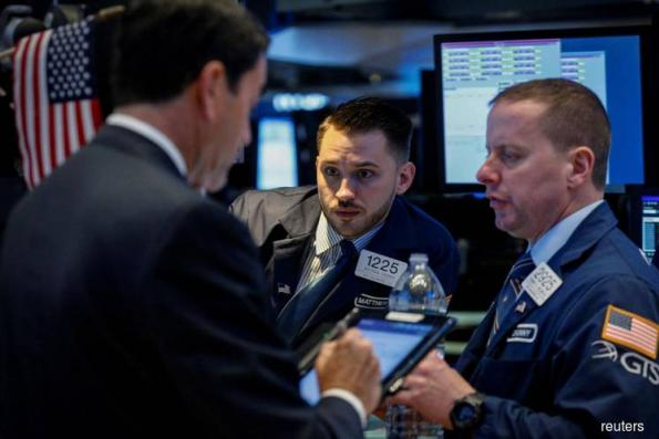 Rising global growth fears pull down Wall Street