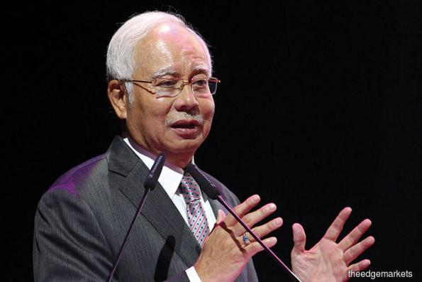 Najib returns from Jeddah, greeted by low temperatures