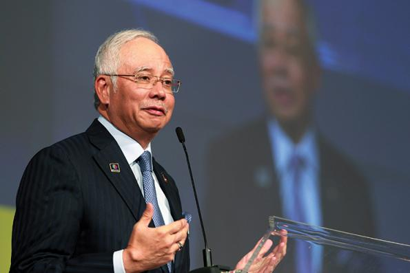 Najib announces 18 initiatives to develop Langkawi