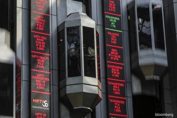 Biggest India Exchange Sues Singapore Bourse to Halt Products