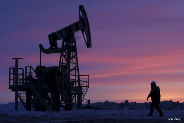 Oil rises on tightening US market, but high OPEC supplies still weigh