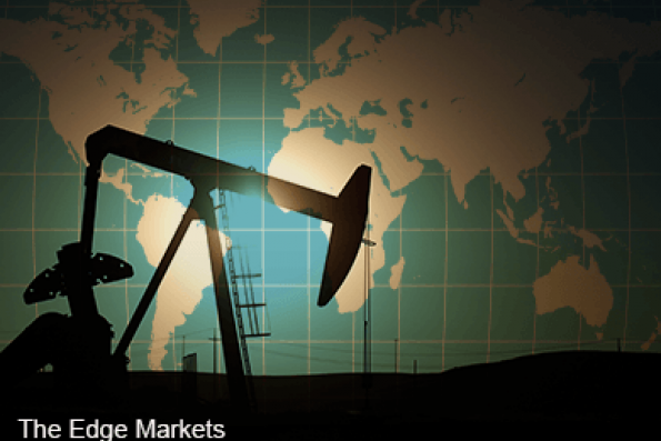 Oil down on Russia output, China; U.S. inventory build seen