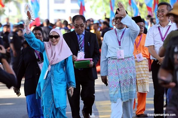 Wan Azizah faces 5-cornered fight in Pandan