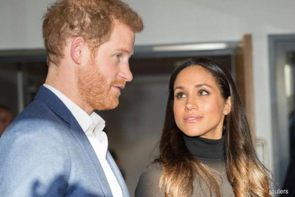 Father of Prince Harry's US fiancee wants to walk her down the aisle