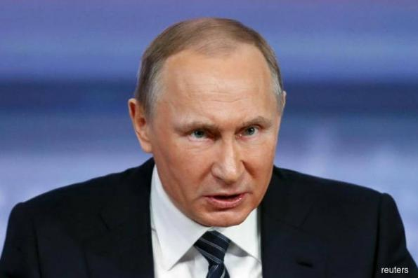 Putin throws his weight behind the euro