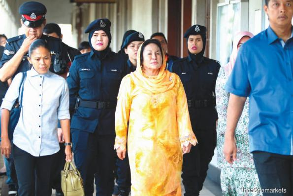 Rosmah's trial: Lawyers have until Dec 6 to apply for case transfer to High Court