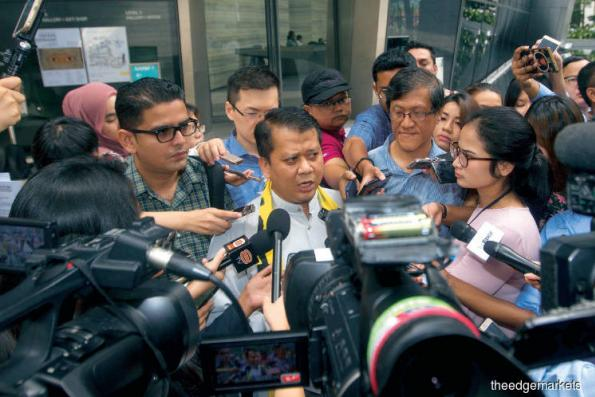 Suspend EC chairman, deputy within 100 days