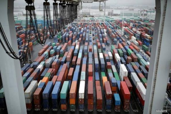 Rising exports push U.S. trade deficit to seven-month low