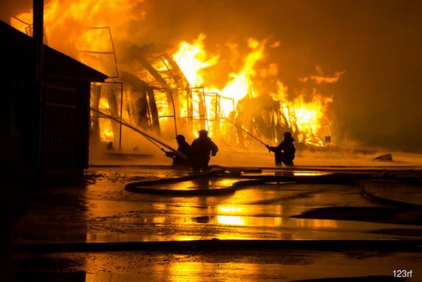 Fire destroys 10 shoplots in Cameron Highlands