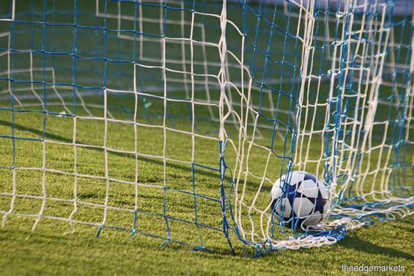 Soccer: Six-goal Adisak earns Thais thumping win