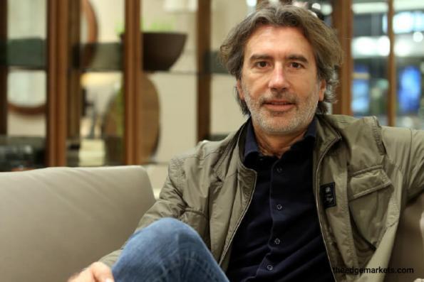 Designer Platform: Stefano Conficconi