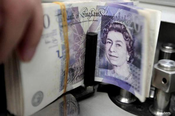 Goldman Says Bet on Higher Pound Despite Trade Becoming Crowded