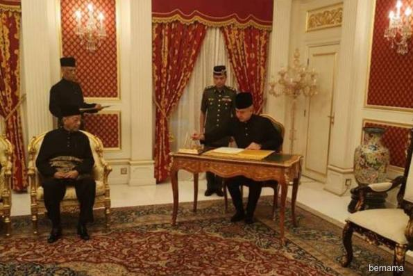 Sultan Nazrin Shah exercises functions of king