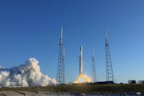 SpaceX blasts off Nasa's new planet-hunter TESS
