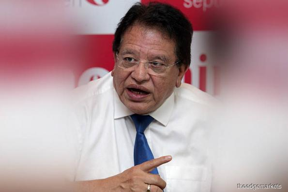 Tengku Adnan discharged of RM2m bribery charge, new charge filed over same transaction