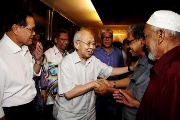 Not easy to bring down Umno, says Ku Li