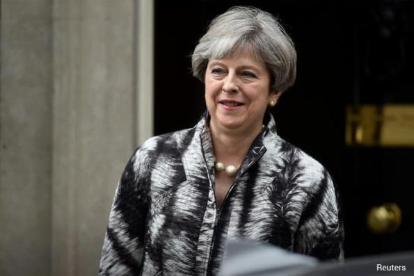 EU braces for Brexit talks collapse as May falters