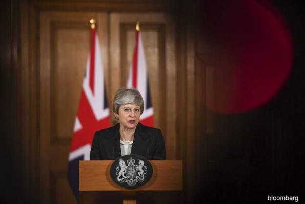 Brexit Standoff Takes U.K. to Edge of No-Deal as May Seeks Delay