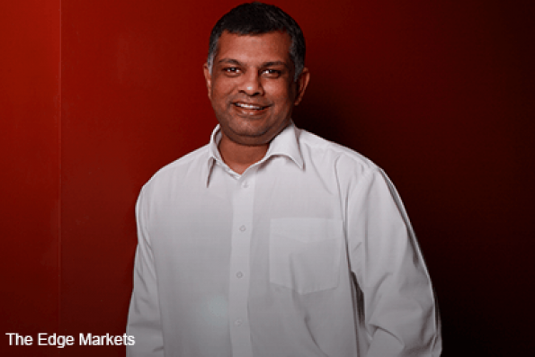 AirAsia got offer to buy leasing company, CEO Fernandes says