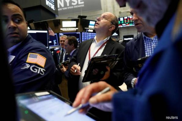 Widespread tech sell-off drags Wall St down