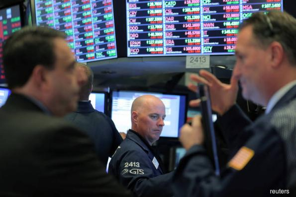 Wall Street rises on hopes of easing trade tensions