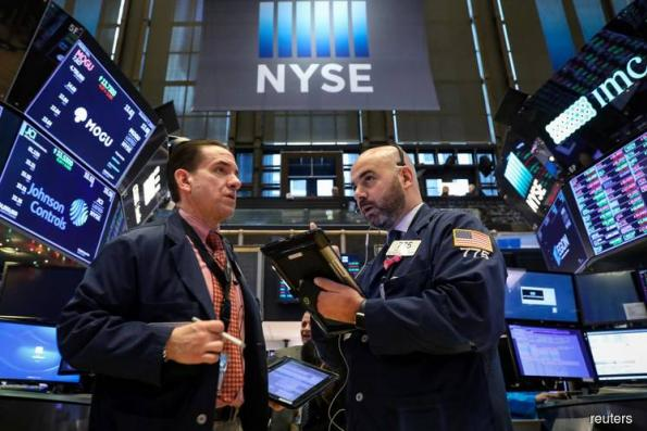 Licking their wounds, fund managers prep for rally in '19
