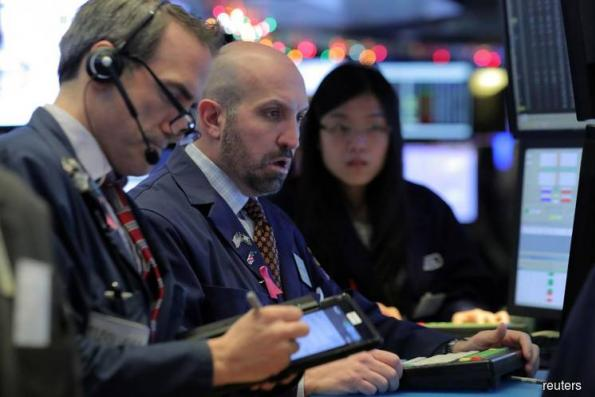 Wall St tumbles, indexes post biggest weekly losses since March