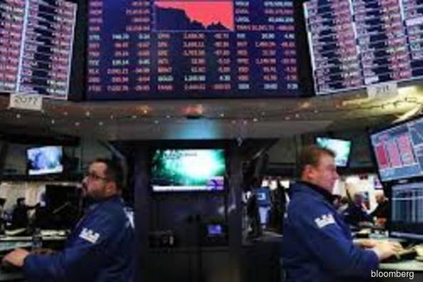 Tech stocks lead rebound as Boeing tumbles anew