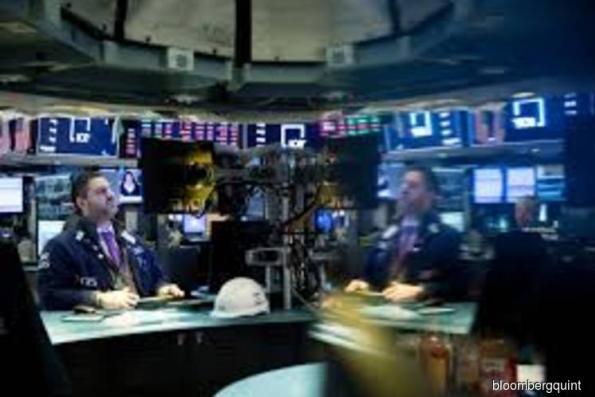 U.S. stocks advance on eve of Fed Day; oil climbs