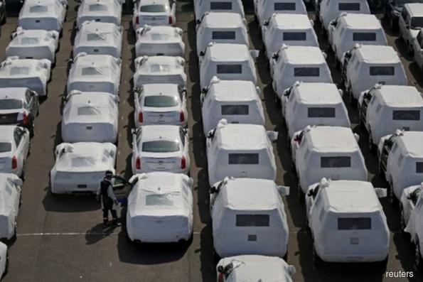 US auto import probe fans tariff fears, riles Asia, Europe carmakers
