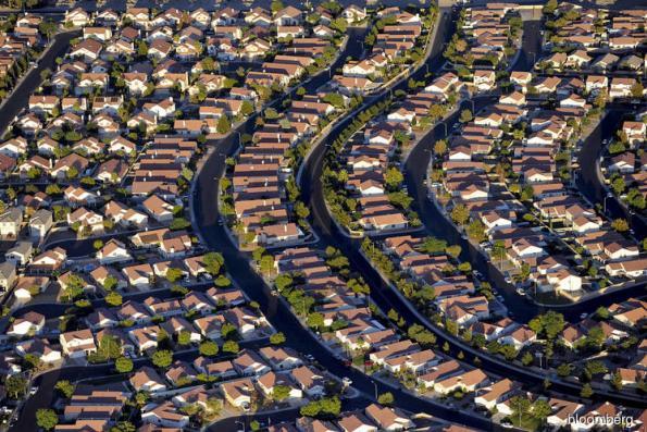 U.S. home sales hit three-year low, price gains slow