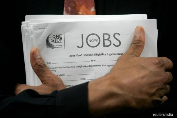 Jobless claims fell last week, showing tight U.S. labour market