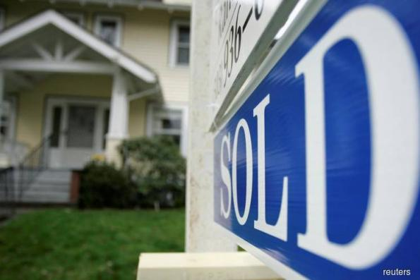 U.S. new-home sales tumble to lowest in almost two years