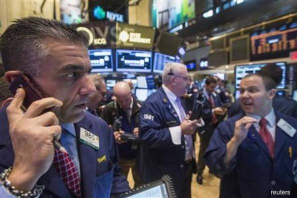 U.S. stocks extend losses, treasuries hold steady