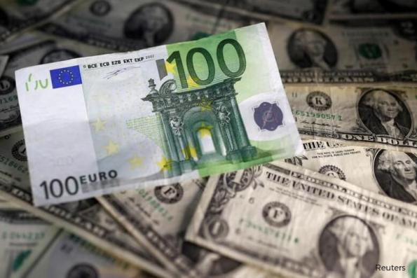 Dollar edges down as U.S. Treasury yields slip on geopolitical fears
