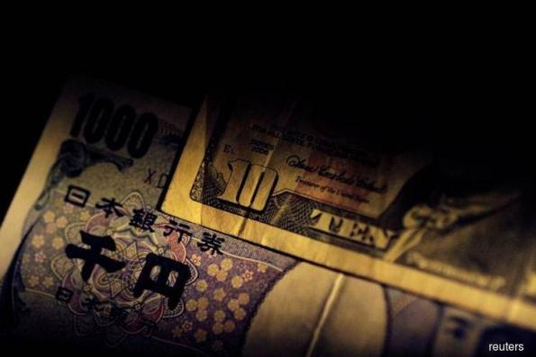 Dollar, yen strengthen on lingering trade, emerging market worries
