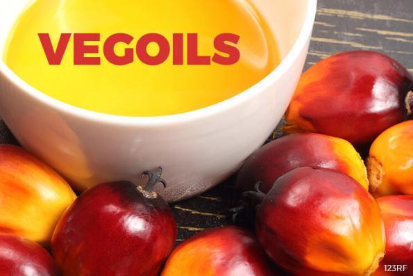 Palm edges up on stronger soyoil, weaker production outlook