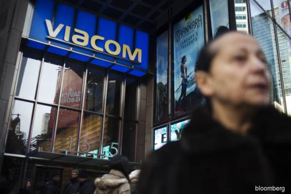 Viacom looks to US mobile deals as young viewers flee TV