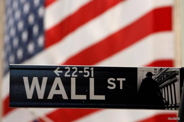 Wall St looks to Fed outlook Wednesday for early Christmas gift