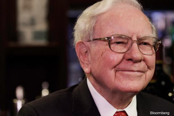 Warren Buffett, Larry Fink criticize Trump tax plan