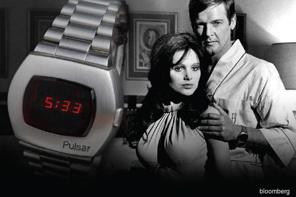 History of quartz watch revolution