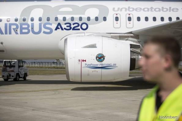 A weekend of setbacks dims prospects for Airbus's top seller