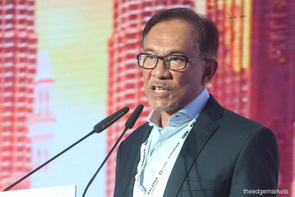 Dr M must be given the space to lead govt — Anwar