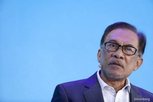 Malaysia Won't Compromise in Goldman 1MDB Talks, Anwar Says