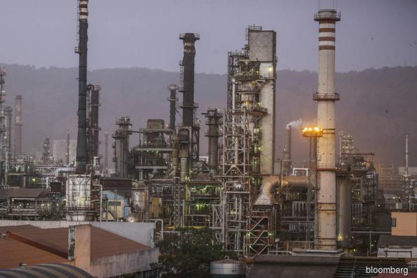 Fuel Juggernaut Coming as Saudi-Backed Asia Refinery Giant Stirs