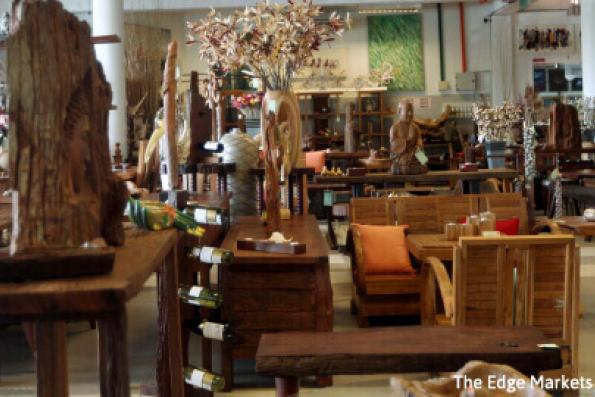 Quaint Finds: Artisan Gallery