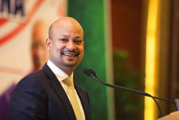 Arul Kanda向伊党中委会汇报1MDB重组计划